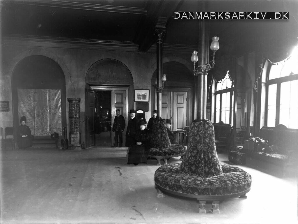 Ventesalen på Københavns anden Hovedbanegaard - ca 1910