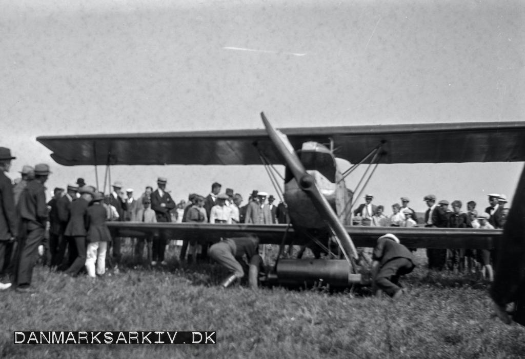 Flyveopvisning i Rønne Lufthavn - 14. juni 1921