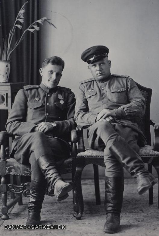 Russiske soldater fik taget portrætter - 1946