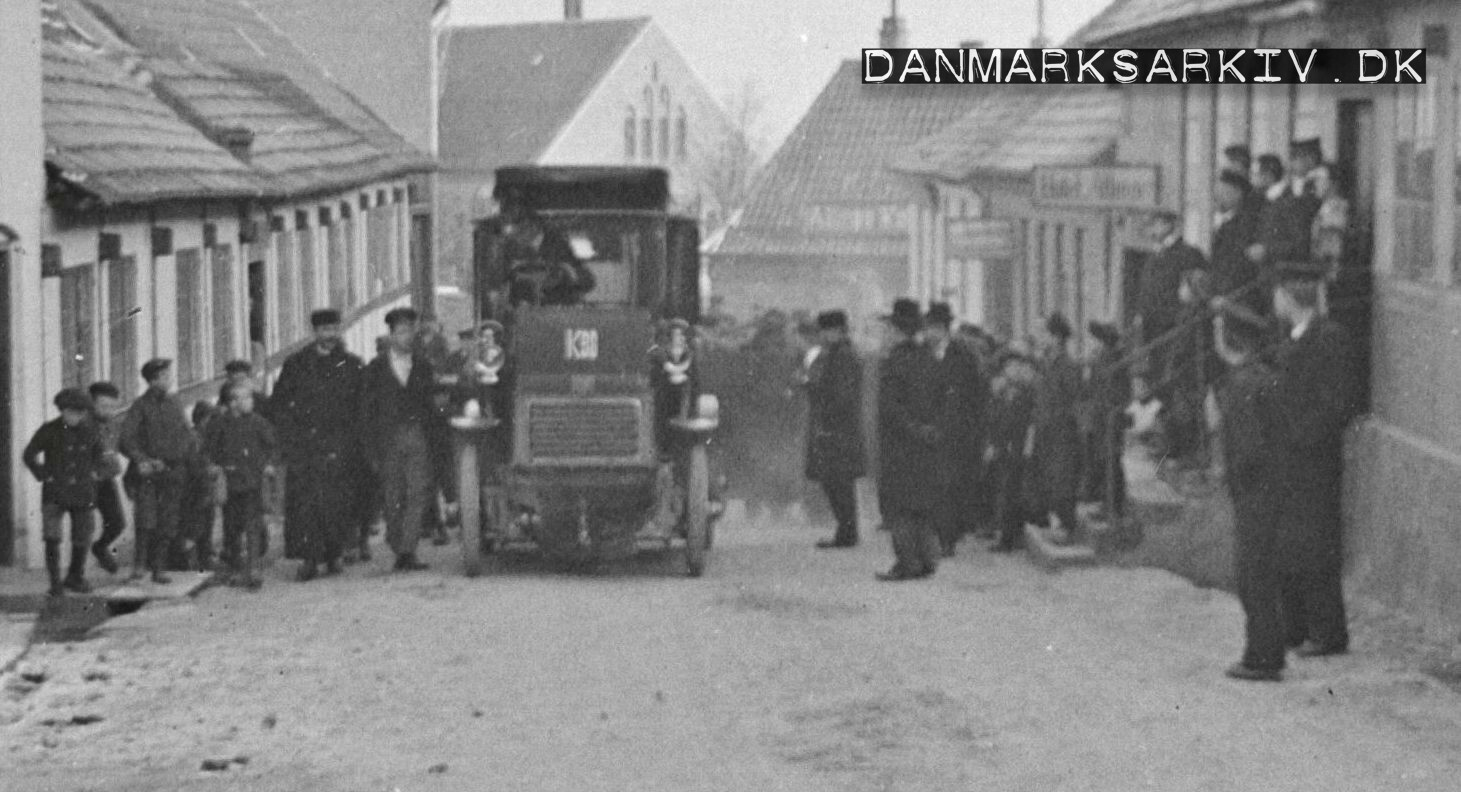 Dansk Automobilselskabs postomnibus gæster Bornholm som det aller første automobil - 1905