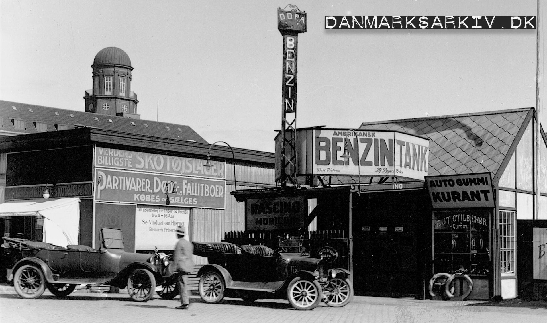 DDPA - Det Danske Petroleum Selskabs tankstation på Gammel Kongevej 13 - 1925