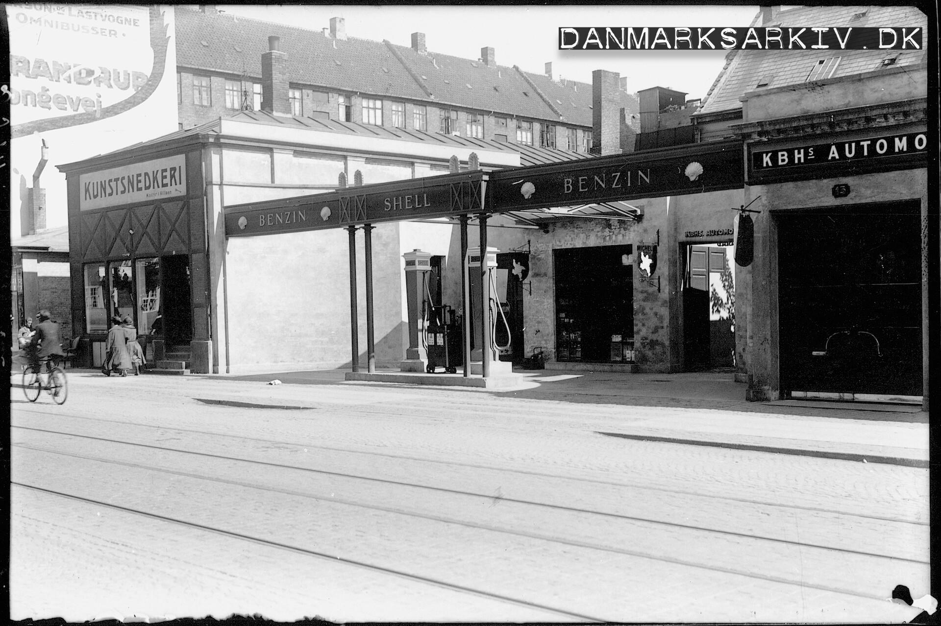 KBH's Automobil Central og deres Shell benzinstation - 1925
