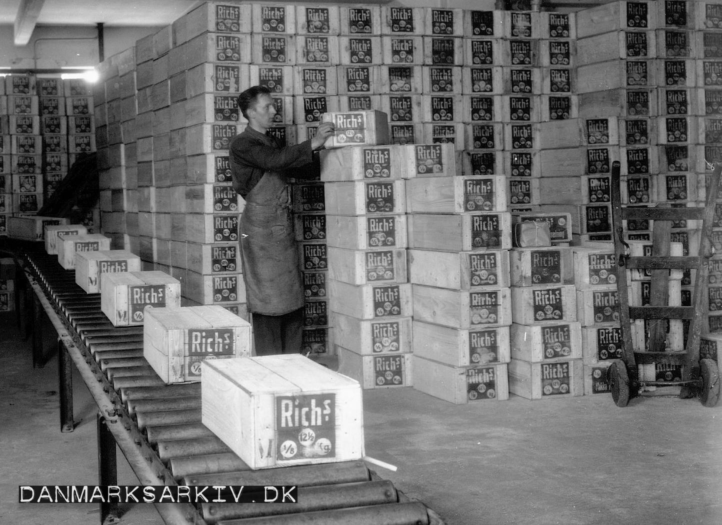 Rich's Kaffeerstatning på De Danske Cichoriefabrikkers lager - 1927